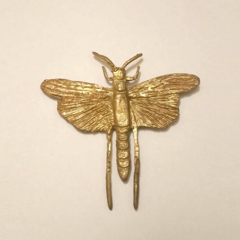 Broche Colgante Mariposa – Latón